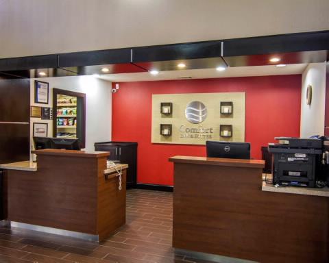 Dallas Tx Hotels Comfort Inn Suites Market Center Superior